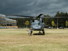 Public thumb black hawk helikopter policja wnpid  11 of 32