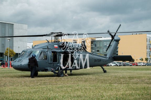 Display black hawk helikopter policja wnpid  15 of 32